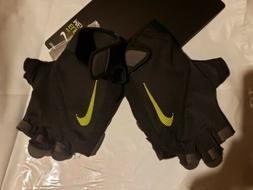 Nike Mens Elemental Midweight Weightlifting Workout Gloves.